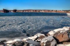 Två hamnar är en gemenskap på den norr kusten av Lake Superior I royaltyfria foton