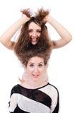 Två isolerade kvinnliga vänner Royaltyfri Foto