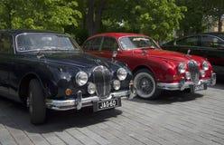 Två Jaguar Mk -1 ståtar ies 50 av utställningen och av tappningbilar finland turku Royaltyfri Foto