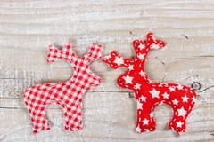 Två julhjortar av tyg Arkivbild