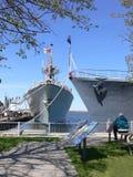 två krigsskepp Royaltyfri Bild