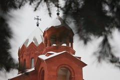 Två kupoler av den armeniska apostoliska kyrkan royaltyfri bild