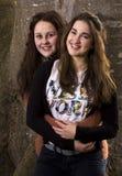 Två kusiner eller systrar Royaltyfria Bilder