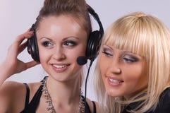 två kvinnor Arkivfoton