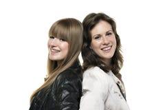Två kvinnor tillbaka som ska dras tillbaka Royaltyfria Foton