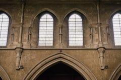 Två kyrkliga fönster Royaltyfria Foton