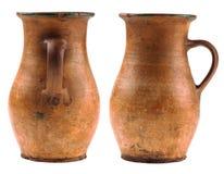 Två leratillbringare som isoleras på vit bakgrund Arkivbild