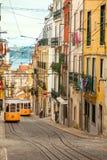 Två Lissabons Gloria Funiculars - Portugal, Europa Arkivbilder