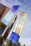 Två ljusa prismor av Heinz Mack i Vaduz Arkivbilder