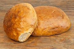 Två loaves av bröd Royaltyfri Fotografi
