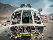 Två män i helikopter Royaltyfria Bilder