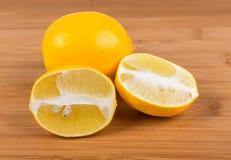 Två meyer citroner Fotografering för Bildbyråer