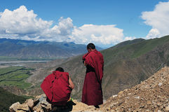 Två munkar i Tibet Royaltyfria Bilder