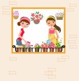 Två nätta flickor som bevattnar blomman Arkivbild