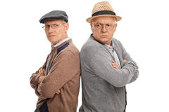 Två pensionärer som är ilskna med de arkivbilder