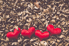 Två röd hjärta, valentindagvykort, älskar dig, mig älskar dig Royaltyfria Bilder