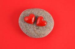 Två röda hjärtor Arkivfoton