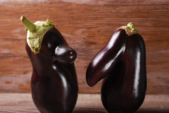 Två roliga aubergine Arkivbilder