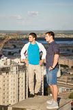 Två roofers på housetop Royaltyfria Bilder