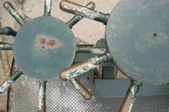 Två runda styrninghjul Royaltyfri Foto