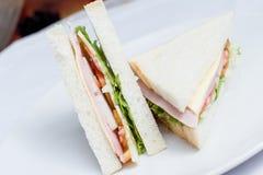 Två skinka och ostsmörgås Royaltyfri Foto