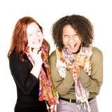 Två skratta härliga kvinnor royaltyfri bild