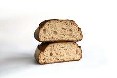 Två släntrar av rågbröd Arkivbild