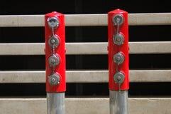Två stolpar med slangen för brand 8 pluggar in Portland, Oregon royaltyfria bilder