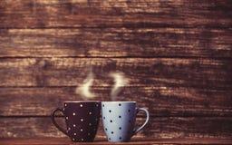 Två te eller kaffekopp Fotografering för Bildbyråer