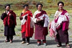 Två tibetana monks Rnying-mor-pa Arkivbild