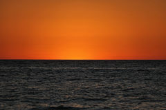 Två tonad solnedgång royaltyfri bild