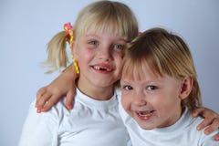 Två tooghless flickor Royaltyfri Fotografi