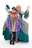 Två transvestit som har gyckel som tillsammans utför Arkivbilder