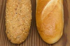 Två typer av bagetter Fotografering för Bildbyråer
