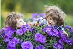 Två uttrycksfulla dockor Royaltyfria Bilder
