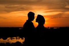 Två vänner för solnedgång Arkivbild