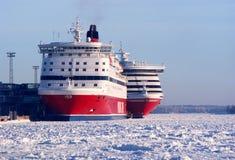 Två Viking Line bilfärjor surronded av is Royaltyfria Foton