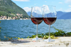 två wineglasses Royaltyfri Fotografi