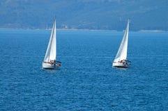 två yachter Royaltyfri Bild