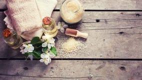 Tvål-, handduk- och blommasnowdrops Royaltyfri Fotografi