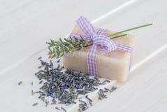 Tvål med lavander Royaltyfria Foton