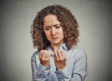 Tvångsmässig tvångsmässig kvinna för OCD Arkivbild