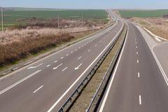 Tvåvägshuvudväg i Bulgarien A1 Trakia Arkivfoto