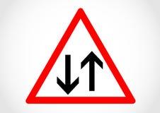 Tvåvägsinformationsvägmärke om riktning Royaltyfri Foto