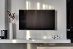 TV στον τοίχο Στοκ Εικόνες