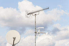 TV aerial and satellite dish Royalty Free Stock Photos
