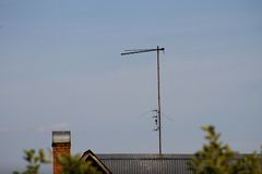 TV antenna on the roof Royalty Free Stock Photos