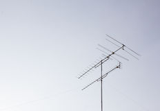 TV-antenne met de hemel Royalty-vrije Stock Foto