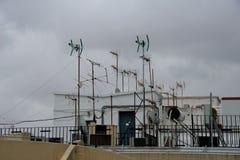 TV-antennes op dak Royalty-vrije Stock Afbeelding