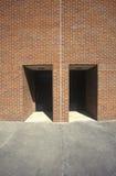 Två entryways till en tegelstenbyggnad, Atlanta, GUMMIN Arkivfoto